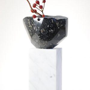 carrara-pedestal-andersite-milan-strada